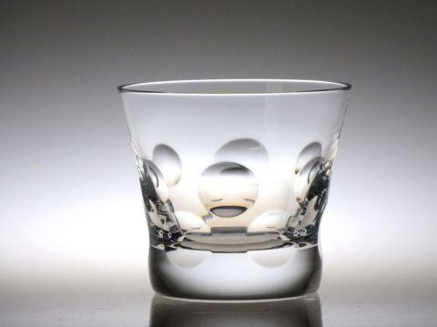 バカラのルチアのロックグラスと似ているベルーガ