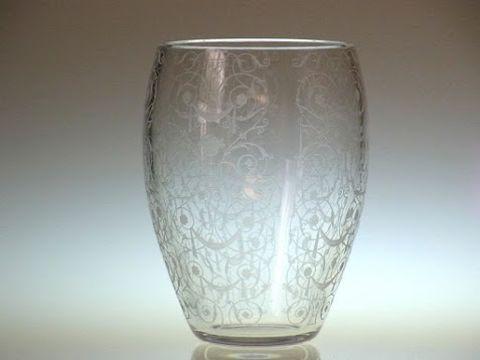 バカラの花瓶、樽型のミケランジェロ