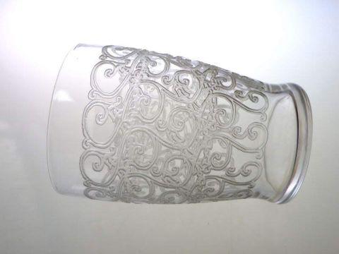 バカラのクヴィユのグラス、ローハン亜種、横向き