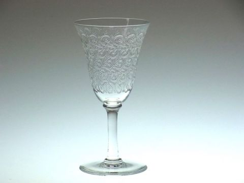 バカラのシャトーブリアンロングステム、ローハン亜種のワイングラス