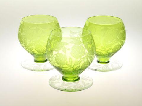 バカラのワイングラス、フォントネー(シュバリエのローズ)緑グリーン