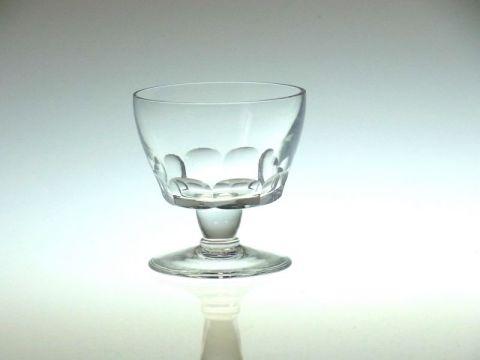 バカラのアールデコデザインのワイングラス