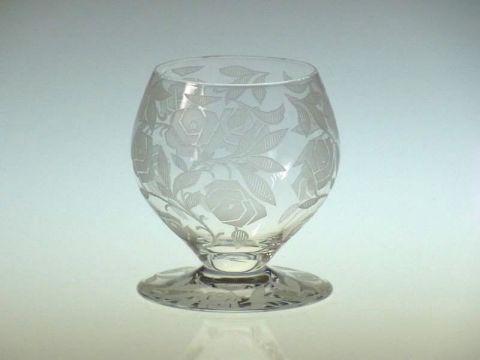 バカラのワイングラス、フォントネー(シュバリエのローズ)