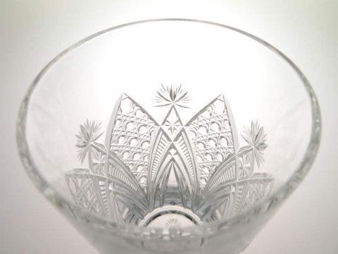 バカラのエルブフのハイボール(タンブラー)グラスのカット部分内側から