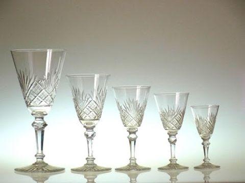 バカラのワイングラス、エピナル大小様々