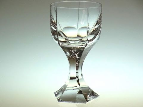 バカラのワイングラス、メルキュール