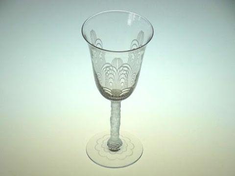 バカラのワイングラス、ジェドー