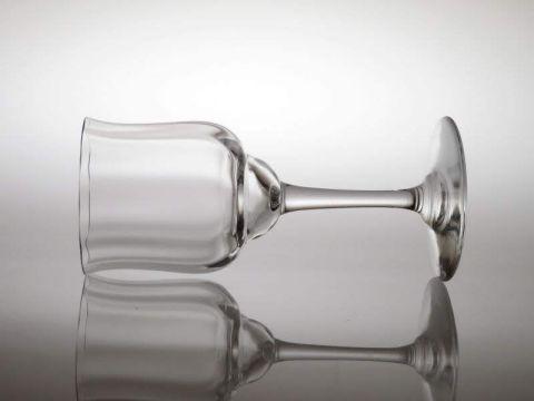 バカラのワイングラス、カプリ横向き