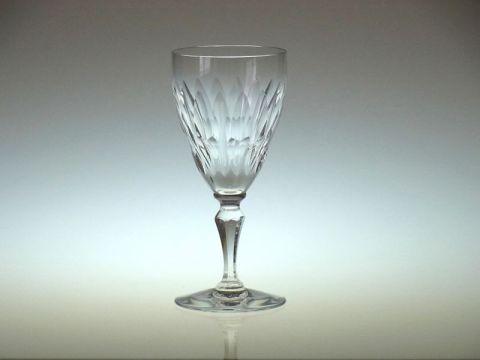 バカラのワイングラス、オートゥイユ