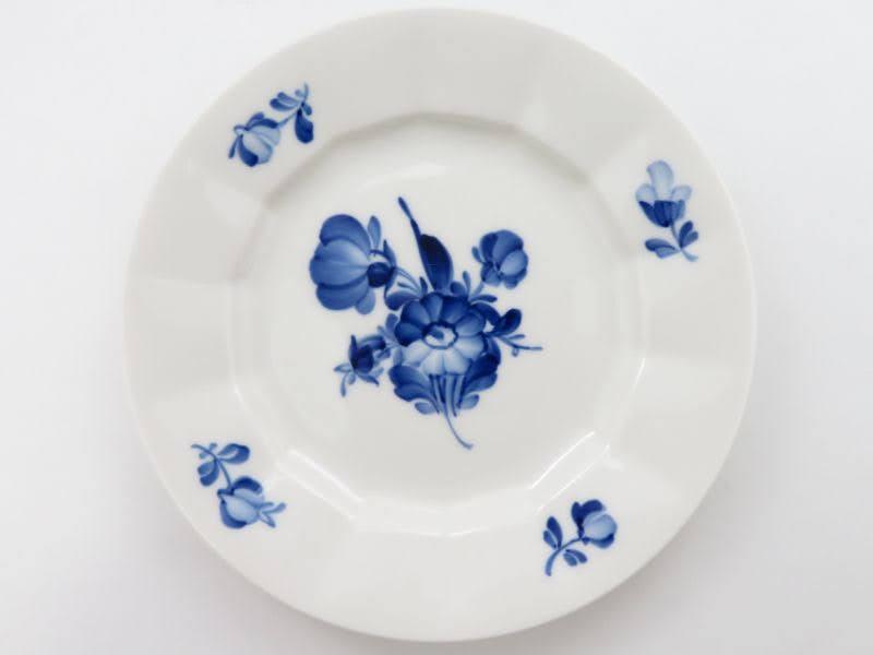ロイヤルコペンハーゲンのブルーフラワーアンギュラーのプレート別皿