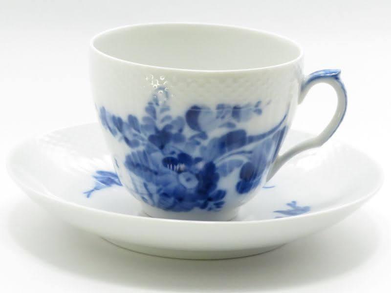 ロイヤルコペンハーゲンのブルーフラワーカーブのコーヒーカップアンドソーサー