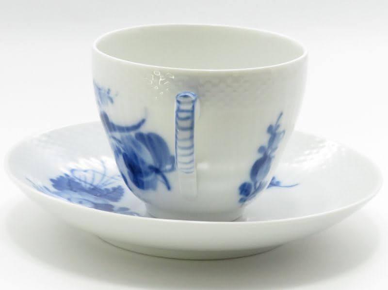 ロイヤルコペンハーゲンのブルーフラワーカーブのコーヒーカップアンドソーサー取っ手