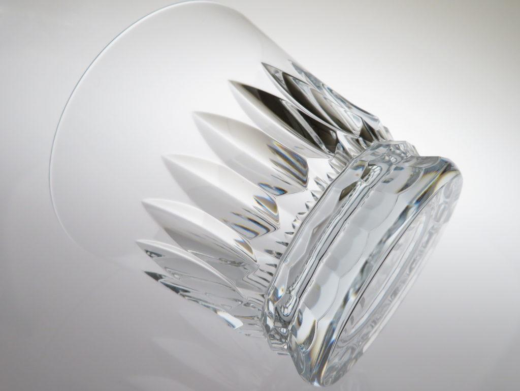 バカラ2021年のイヤーグラス、ティアラ斜め