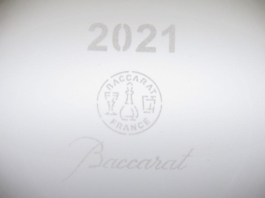 バカラの2021年のイヤータンブラー、ティアラ2021刻印